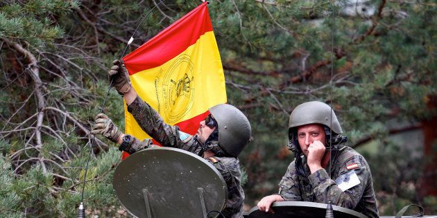 El Ejército suspende unas maniobras porque no las puede