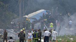 Al menos cien muertos tras estrellarse un avión de pasajeros poco después de despegar desde La