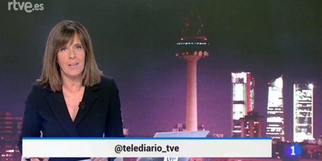 Ana Blanco presenta el programa informativo de