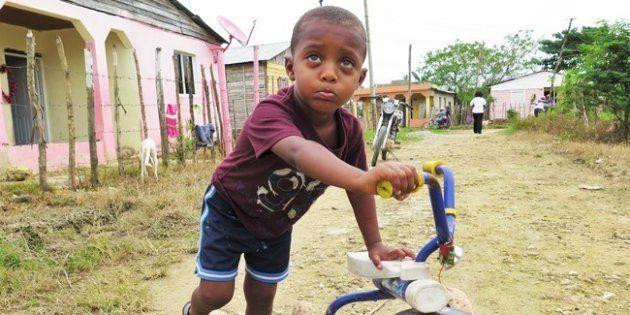 Hasta que Brandon, de tres años, no sea registrado, no podrá recibir atención médica, ser vacunado o...