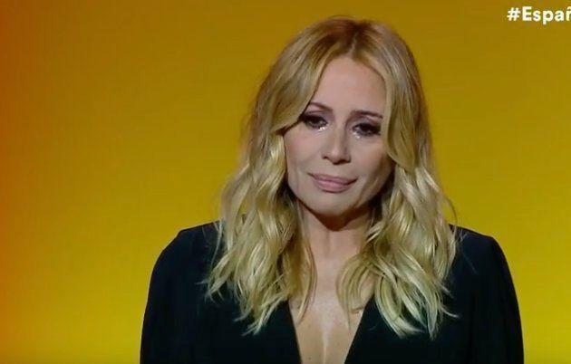 Marta Sánchez rompe a llorar en un acto de