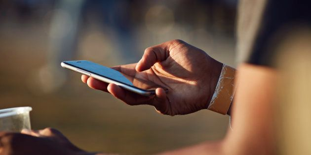 Facua denuncia a once bancos por utilizar teléfonos 901 y 902 para la atención al