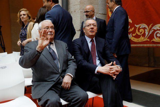 Garridismo, día I: el 'reencuentro' en Sol de Santamaría y Cospedal y la ausencia de