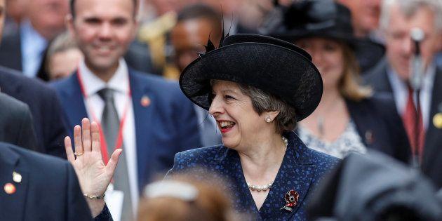 La primera ministra británica, Theresa May, en la ceremonia del centenario de la batalla de Ypres (Bélgica),...