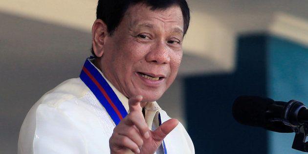 El presidente filipino Rodrigo Duterte, durante un discurso en un acto policial, el pasado 9 de agosto...