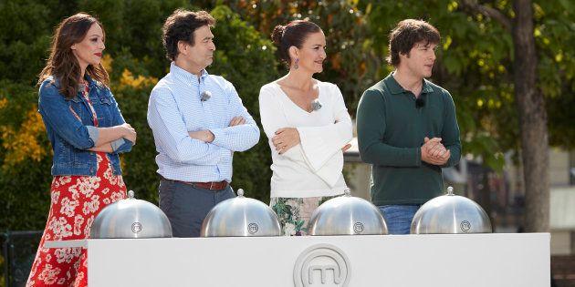 Eva González, Pepe Rodríguez, Samantha Vallejo Nágera y Jordi Cruz durante el rodaje de 'MasterChef...