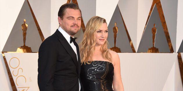 Kate Winslet y Leonardo DiCaprio durante la gala de los Oscars