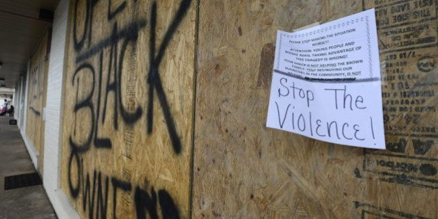 La Policía mata a otro hombre negro cerca de Ferguson