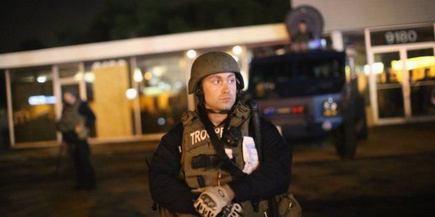 La Guardia Nacional abandona Ferguson tras una noche de protestas