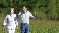Esta es la foto de Rajoy y Merkel que más está dando de qué