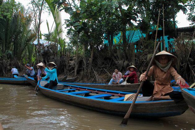 Botes en el delta del río