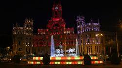 La Cibeles homenajea a las víctimas del doble atentado en