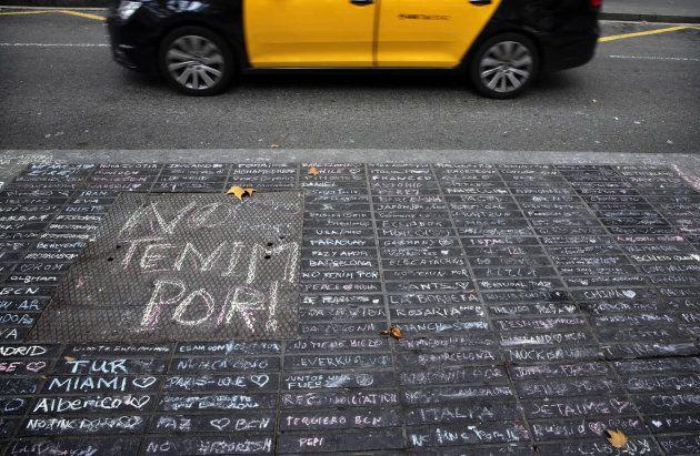 El maravilloso gesto de los ciudadanos en Las Ramblas en homenaje a las