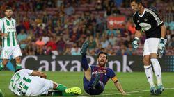 Incredulidad por lo que hizo el árbitro durante el Barça -