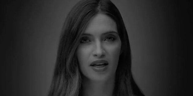 Sara Carbonero se une a la campaña #UnaMadreEs y pide a la RAE que cambie el significado de