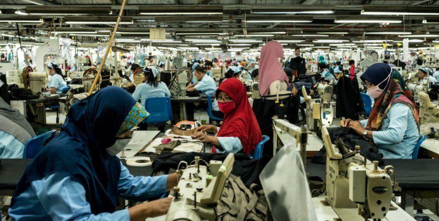 Zona de producción de costura en una fábrica textil de Pan Brothers en una fábrica de Tangerang, Yakarta