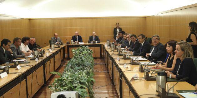 El Pacto Antiterrorista se reúne con Unidos Podemos, PNV y PDeCAT como