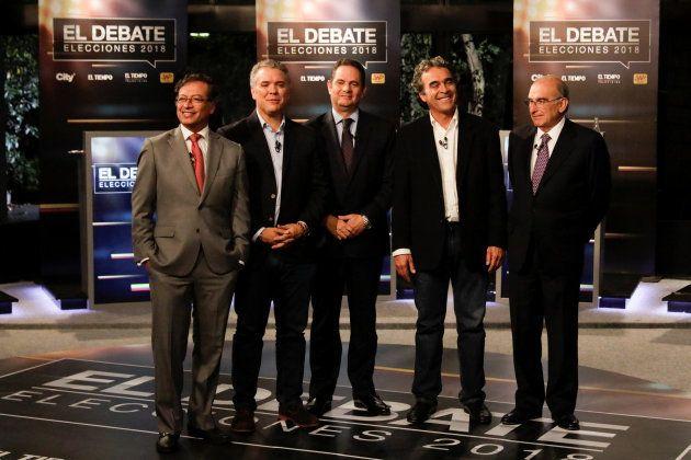 Gustavo Petro, Iván Duque, Germán Vargas Lleras, Sergio Fajardo y Humberto de la Calle, posando antes...