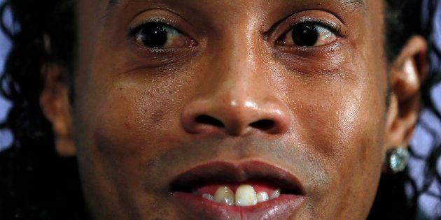 Ronaldinho, durante una rueda de prensa con la selección de Brasil en Londres, en
