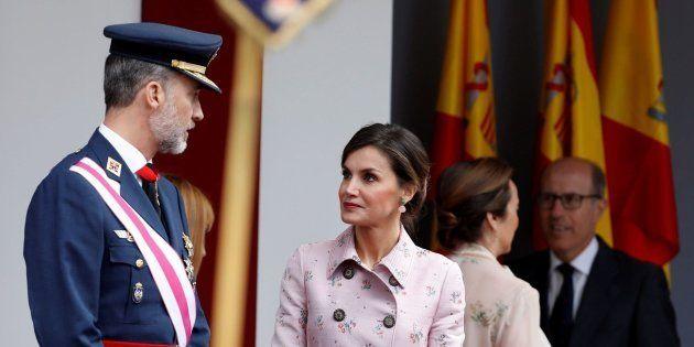 El rey Felipe, acompañado por la Reina Letizia, preside hoy el acto central del Día de las Fuerzas Armadas...
