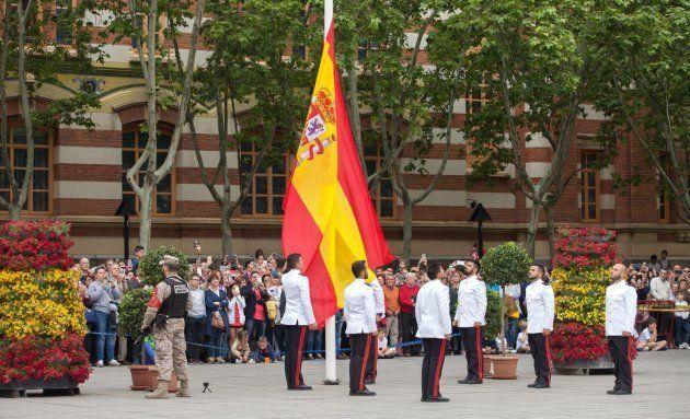 Los Reyes presiden el desfile del Día de las Fuerzas Armadas en
