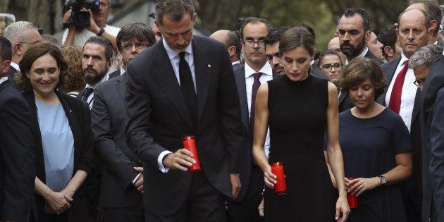 El alcalde Alcorcón carga contra Colau por esta foto: