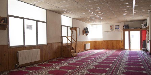 Vista del interior de la mezquita Islámica Annour de Ripoll, en la que predicaba el imán Abdelbaki Es...