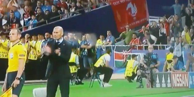 No te puedes perder lo que ocurrió detrás de Zidane tras el gol anulado al