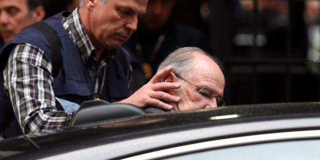 Rodrigo Rato, en libertad tras ser detenido durante el registro de su vivienda y