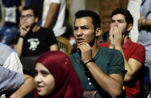 Aficionados egipcios reaccionan ante la lesión de