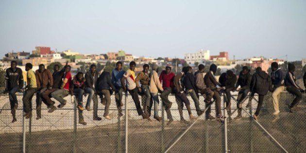 En torno a un centenar de subsaharianos consiguen entrar a Melilla tras saltar la