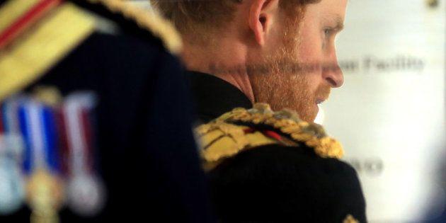 El príncipe Enrique revela lo que piensa de quienes fotografiaron a su madre mientras