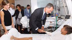 La Casa Real responde a la Generalitat: tenía permiso para publicar las fotos con los niños heridos en los