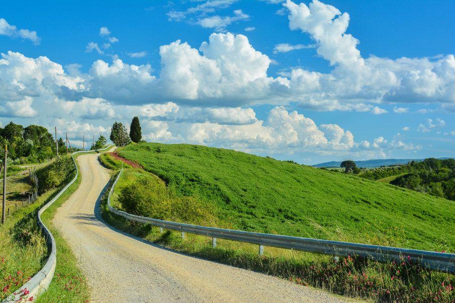 Más allá del Camino de Santiago: siete rutas alternativas para caminar por