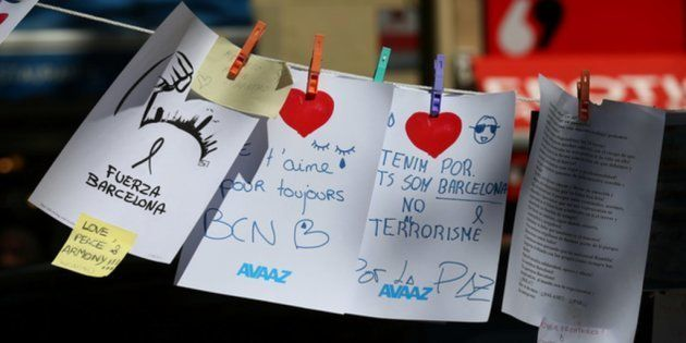 Mensajes de condolencia y solidaridad con las víctimas en Las Ramblas de