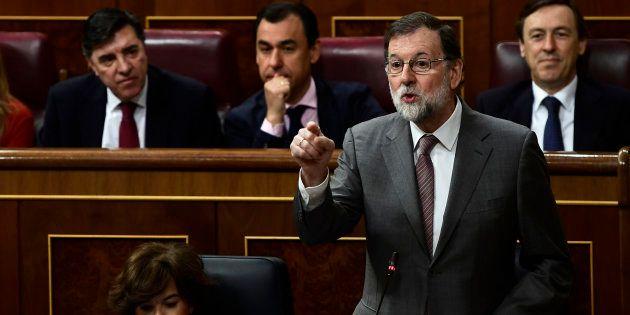 El presidente del Gobierno, Mariano Rajoy, durante la sesión de control en el Congreso de los
