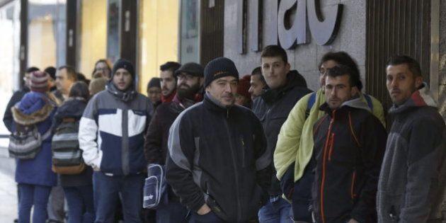 Colas en Madrid para comprar la revista 'Charlie