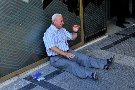 Un financiero australiano pagará la pensión de este jubilado griego tras ver su imagen
