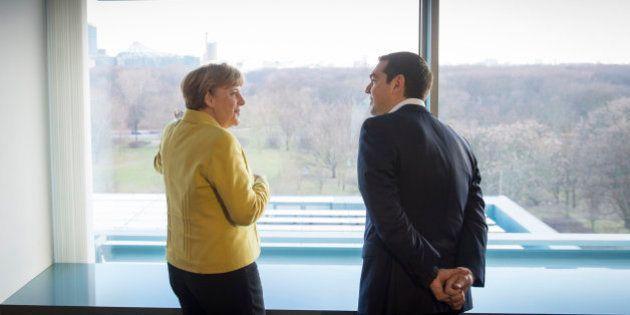 Merkel y Tsipras constatan sus diferencias pero se aferran al