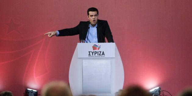 Tsipras acusa al Gobierno de España de querer