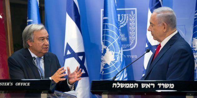 El secretario general de la ONU, Antonio Guterres, y el primer ministro israelí, Benjamin Netanyahu,...
