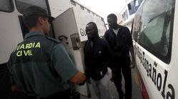 Salvamento Marítimo rescata dos pateras con 21 inmigrantes a bordo, dos de ellos