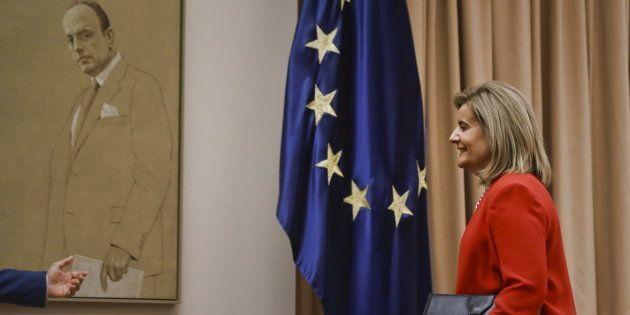 La ministra de Empleo, Fátima Báñez, momentos antes de su
