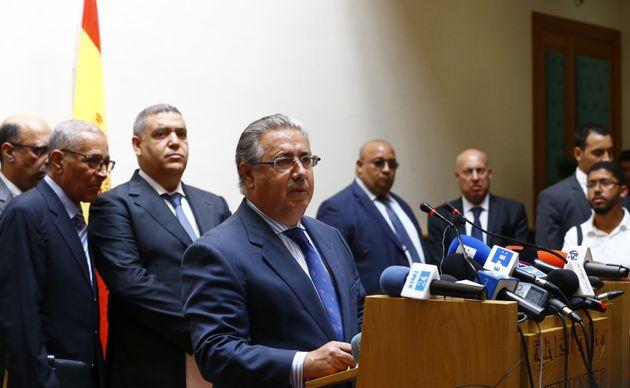 El ministro del Interior, Juan Ignacio Zoido, durante la rueda de prensa ofrecida tras la reunión que...