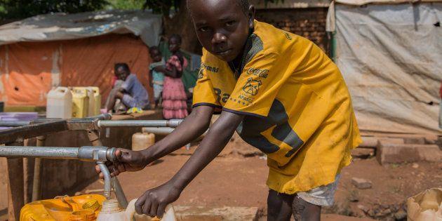 Campo de refugiados de La Catedral, en Wau (Sudán del Sur), donde se ha instalado una canalización de...