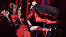 Pese a esta caída, Madonna siguió cantando en los Brit