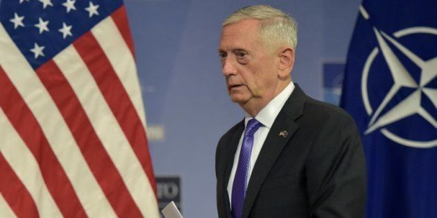 El secretario de Defensa de EEUU, Jim Mattis, tras una conferencia de prensa en un encuentro de la OTAN...
