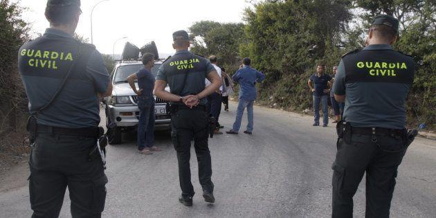 Dos detenidos en Melilla por amenazar a la Guardia Civil y ensalzar el