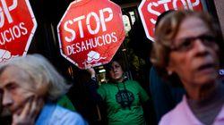 La policía detiene a 19 activistas antidesahucios por irrumpir en un pleno