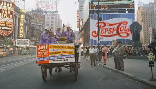 La moda de las fotos coloreadas revive la Historia en blanco y